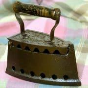 Ist das Bügeleisen alt oder schon antik?